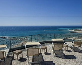 Lolli Palace Hotel Sanremo - San Remo - Balcony