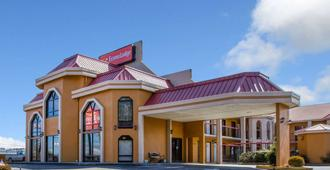 Econo Lodge - Hendersonville
