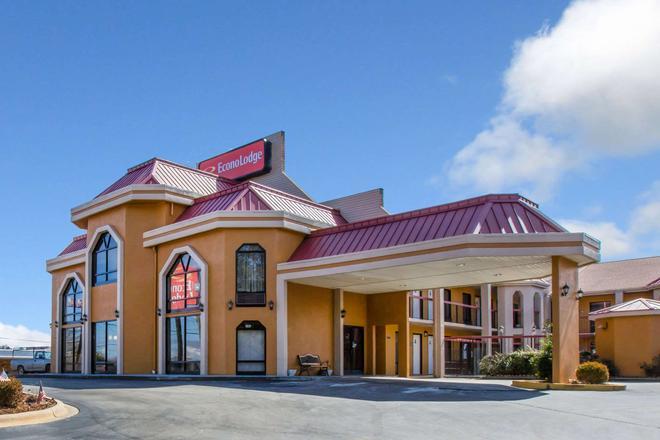 Econo Lodge - Hendersonville - Rakennus