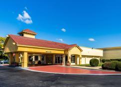 Quality Inn Clemson near University - Anderson - Rakennus