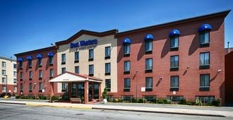 Best Western JFK Airport Hotel - Queens - Edificio