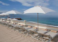Plaza Pelicanos Grand Beach Resort - Puerto Vallarta - Beach