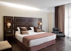 NH 埃斯特雷馬杜拉賭場大酒店 - 巴達霍斯 - 巴達霍斯 - 臥室