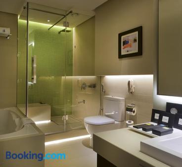 72 Hotel - Sharjah - Bathroom