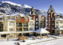 WindTower Lodge And Suites - Canmore - Rakennus