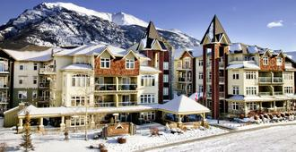 WindTower Lodge And Suites - Canmore - Building