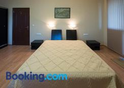 Guest House La Casa - Varna - Bedroom