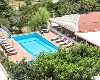 Zorbas Family House - Platanias - Pool