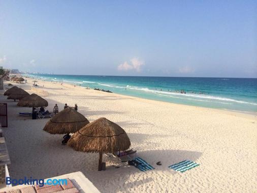 Cancun Beach Rentals - Annalisa Suites - Cancún - Beach