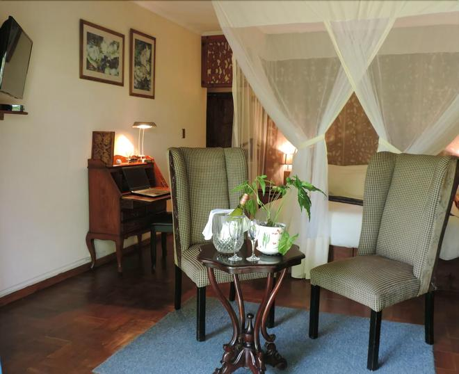 Cappuccino's Lodge - Kitwe - Living room