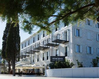 Hotel Stacija - Kastela - Edificio