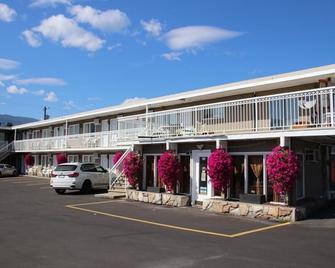 Plaza Motel - Penticton - Building