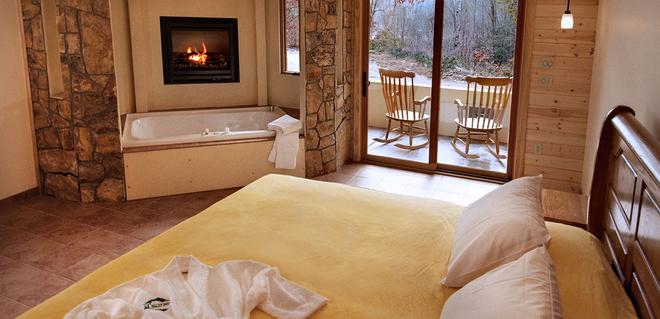 The Chalet Suites Boutique Hotel - Whittier - Bedroom
