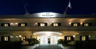 โรงแรมซานฟรานเชสโก - โฟรีโอ - อาคาร
