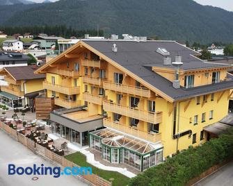 Aktiv- Und Wellnesshotel Gutjahr - Abtenau - Edificio