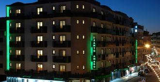 Hotel Santo Amaro - Fátima - Edificio
