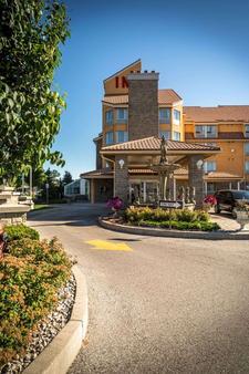 Monte Carlo Inn Barrie Suites - Barrie - Κτίριο