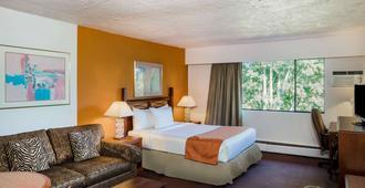 Howard Johnson Hotel by Wyndham Victoria - ויקטוריה - חדר שינה