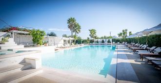 Tenuta Centoporte - Resort Hotel - Giurdignano - Piscina