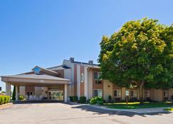 Best Western Lakewinds - Ludington - Building