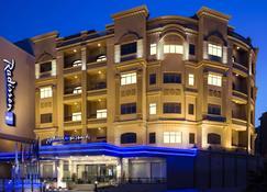 Radisson Blu Hotel Dhahran - Dhahran - Building