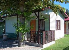 Madamaku - Cottage - Ustronie Morskie - Vista del exterior