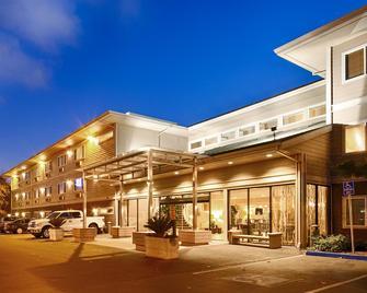 Best Western Plus Bayside Hotel - Oakland - Byggnad