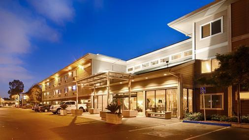Best Western Plus Bayside Hotel - Oakland - Toà nhà