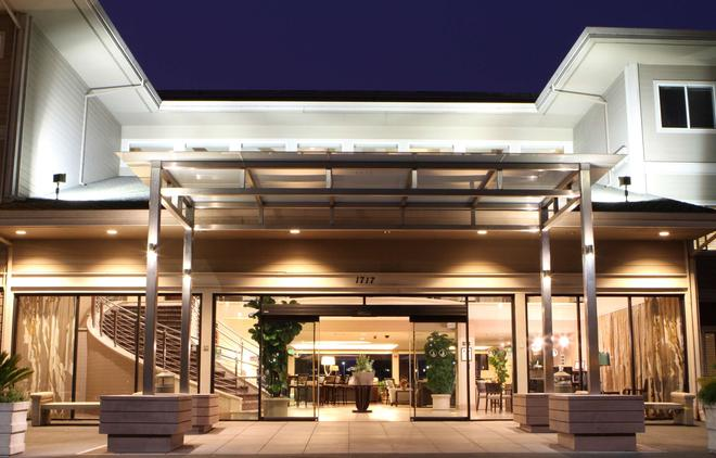 Best Western Plus Bayside Hotel - Oakland - Building