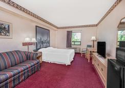 溫莎 ON 速 8 酒店 - 溫莎 - 溫莎 - 臥室