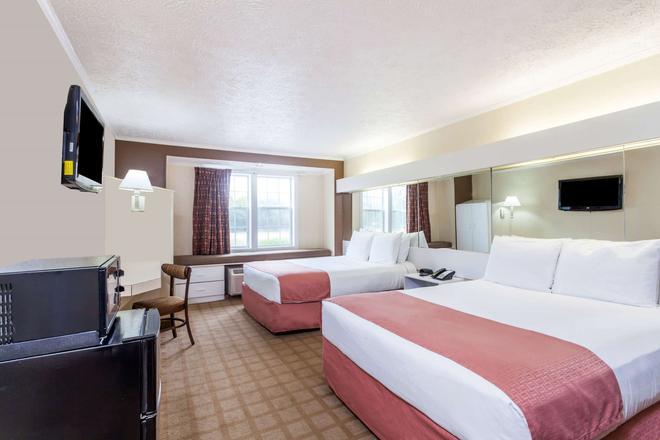 Microtel Inn & Suites by Wyndham Wilson - Wilson - Bedroom