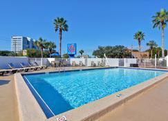 Motel 6 Destin Fl - Destin - Pool