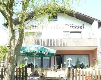 Hotel Weißes Rössel - Wertheim - Building