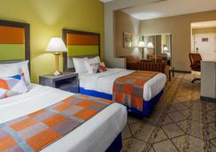 Best Western Plus Newport News Inn & Suites - Newport News - Habitación