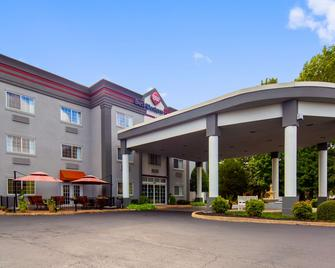 Best Western Plus Newport News Inn & Suites - Newport News - Toà nhà