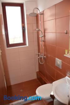 City Point Chios - Chios - Bathroom