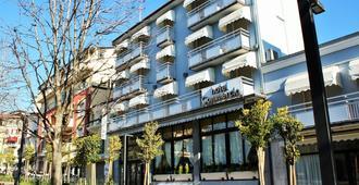 Hotel Ristorante Commercio - Salò - Building