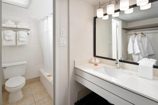 Avanti Palms Resort and Conference Center - Orlando - Baño