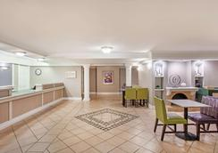 La Quinta Inn by Wyndham Fort Myers Central - Fort Myers - Restaurant