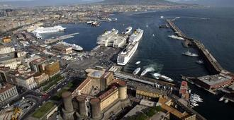 Hotel Bella Capri - Nápoles - Vista del exterior