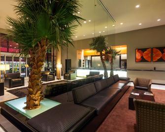 Ramada Plaza by Wyndham West Hollywood Hotel & Suites - Західний Голлівуд - Лаунж