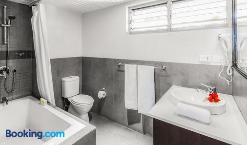 Tokatoka Resort Hotel - Nadi - Bathroom