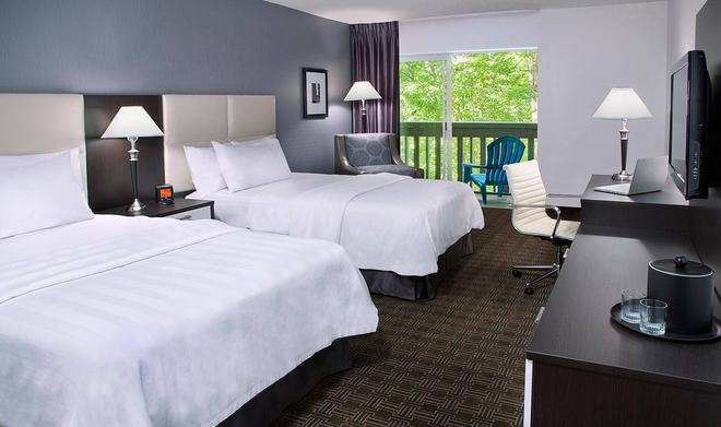 Toronto Don Valley Hotel and Suites - Toronto - Bedroom