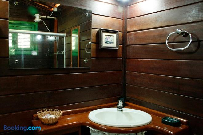Pousada Cultural Canto Dos Poetas - Aquiraz - Bathroom