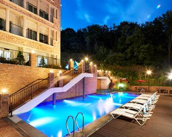 Hotel Thesoom Forest - Yongin - Pool