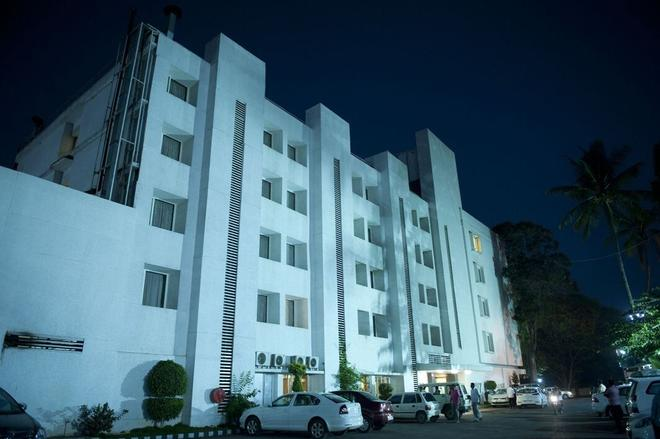 Hotel Siddharta - Mysore - Building