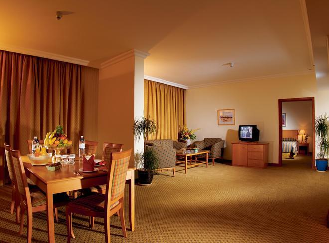 Swiss-Belhotel Sharjah - Sharjah - Phòng ăn