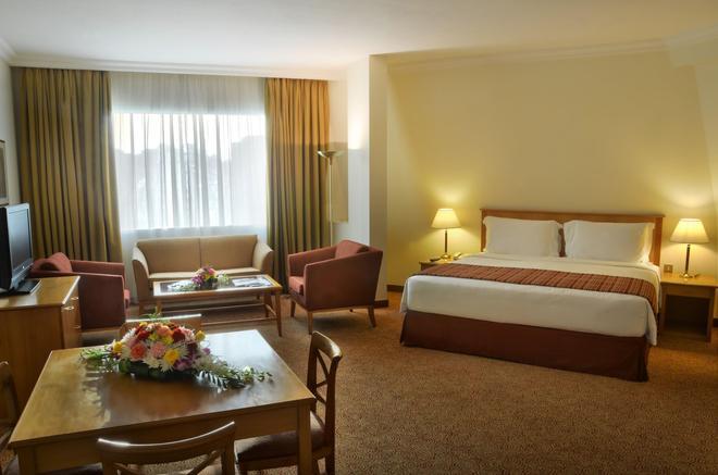 Swiss-Belhotel Sharjah - Sharjah - Phòng ngủ