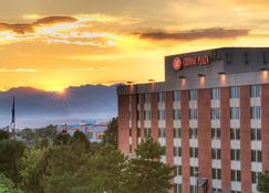 Crowne Plaza Denver Airport Convention Ctr - Denver - Building