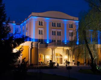 Windsor Palace Hotel - Serock - Gebouw